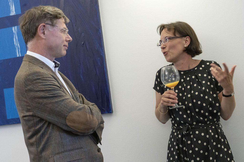Prof. Dr. Klein zusammen mit Veronika Raithel